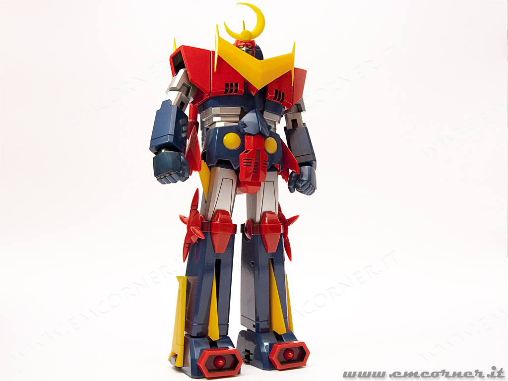 Go nagai Robot Great Mazinger con ali e spada