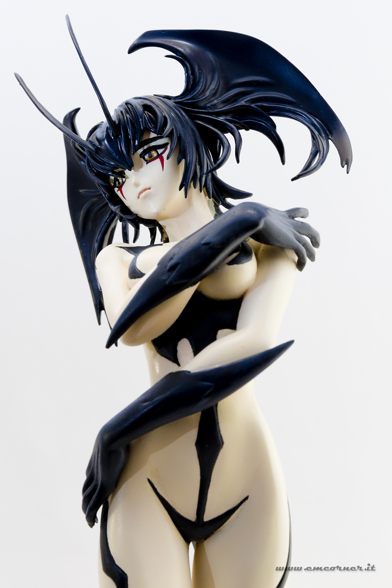 new-line-devilman-devil-lady-pre-painted-coldcast-12_-emcorner-it_