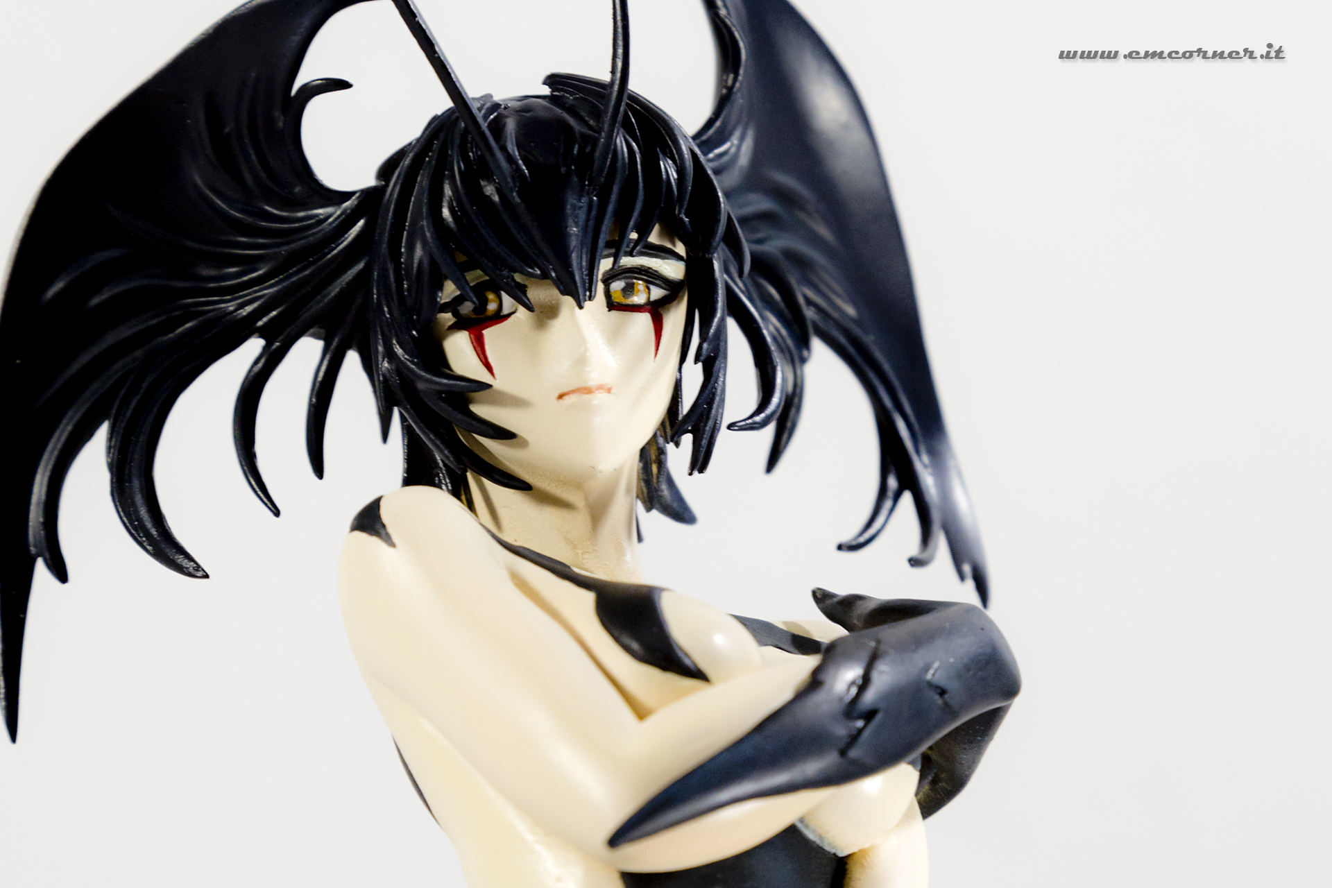 new-line-devilman-devil-lady-pre-painted-coldcast-2_-emcorner-it_-9