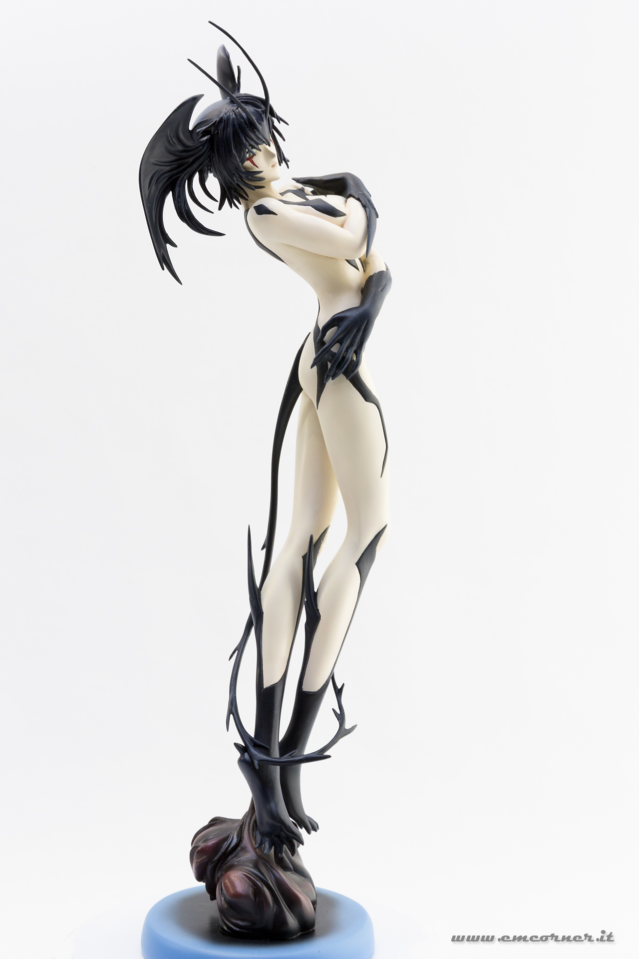 new-line-devilman-devil-lady-pre-painted-coldcast-3_-emcorner-it_