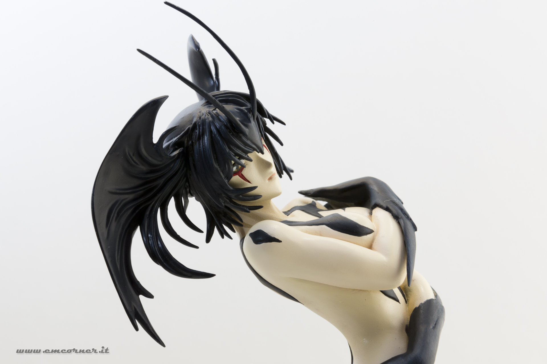 new-line-devilman-devil-lady-pre-painted-coldcast-8_-emcorner-it_